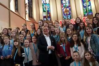 Ministerpräsident Laschet beim Girls Day im digitalHUB mit 100 Mädchen