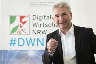 Zweite Förderphase für digitalHUB Aachen - © MWIDE NRWR. Sondermann. Andreas Pinkwart fördert DWNRW-Hubs